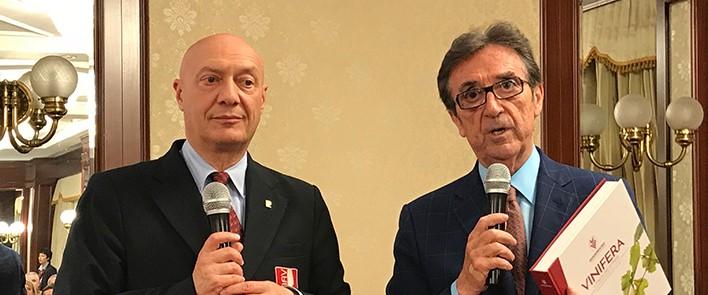 STRETTA DI MANO ONAV E ASSOENOLOGI: LAVORARE INSIEME IN ITALIA E NEL MONDO PER UN FUTURO FERTILE DELL'ENOLOGIA